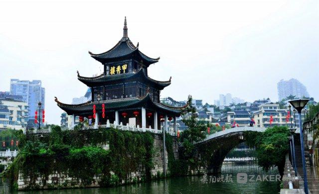 国庆长假七天 南明区接待游客超 70 万人次 旅游收入 13.3 亿元